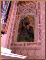 7-1 - Gubbio. Un dipinto all'interno del Duomo ricorda la vicenda del lupo e di S.Francesco.