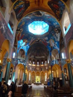 7 - Interno della Basilica di Santa Rita