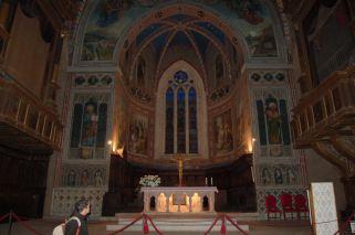 7 - Interno La Cattedrale di Gubbio è consacrata ai Santi Mariano e Giacomo martiri a ...