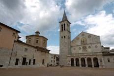 7 - Spoleto, Piazza Duomo.