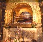 8 - La teca o sepolcro di Santa Rita