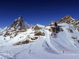 23 - Panorama Cervino e piste di sci
