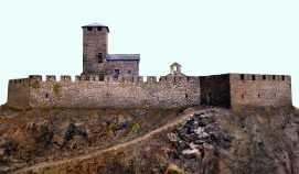 56 - Il castello di Graines (Valle d'Aosta X Secolo) è forse l'esempio più aderente ai fondamenti costitutivi della tipologia del primo Medio Evo,
