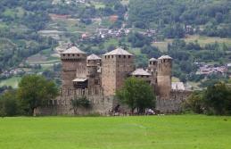 65- Il castello di Fénis- Il Castello di Fénis, situato nell'omonimo comune, è uno dei più famosi manieri medievali della Valle d'Aosta.
