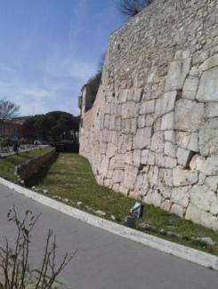 6 - LE MURA POLIGONALI DI AMELIA. Il percorso di Ronda Medievale tratto Via Nocicchia. di. Tania Suadoni e Andrea Lisciarelli. Foto cinta muraria poligonale