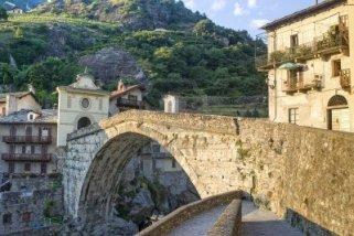 6 - Pont-Saint-Martin (Aosta, Italia) - Il ponte romano sul fiume Lys