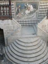 71 - Castello di Fenis. sec. XIII. Scalone circolare nel cortile. Fenis, Aosta