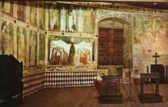 76 - Castello di Fenis. sec. XIII. Cappella, parete di fondo con affreschi del XV sec. Fenis, Aosta