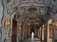 109 - Interno del castello Reale di Sarre