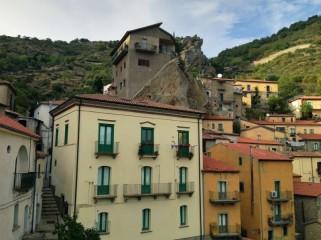 14 - Castelmezzano, le stradine del centro storico
