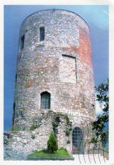 11 - Potenza- Torre Guevara traccia di un antico castello mediovale