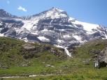 9 - Il Gran Paradiso, l'unico -quattromila- interamente italiano, massiccio possente che s'innalza con spettacolari ghiacciai tra Piemonte e Valle d'Aosta.