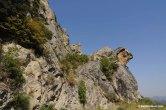 10- Castelmezzano rientra con il suo territorio nell'area del Parco di Gallipoli Cognato Piccole Dolomiti Lucane che offre oltre alle incontaminate bellezze paesaggistiche, tracce di una storia millenaria per la presenza delle mura megalitiche dell'insediamento lucano di Croccia Cognato del IV sec. a.C.