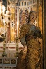 14- Irsina- La statua, alta 1,72 metri, si trova nella cattedrale, nella nicchia alla destra dell'altare, dal 1454 ma sinora non era stata attribuita ad alcun artista