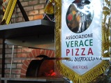 208 - Napoli- Dopo tanta bellezza e un po' di fatica, una vera pizza Napoletana è quello che ci vuole.