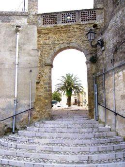 25- Porta S.Angelo e Scalinata