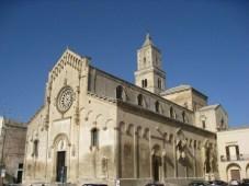 28- La Cattedrale di Matera fù edificata tra il 1203 ed il 1270 sul punto più alto della citta, detto Civitas