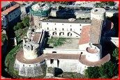 38-Venosa-Immagini del castello dall'alto-