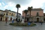 3 - Piazza antistante la Cattedrale di Venosa