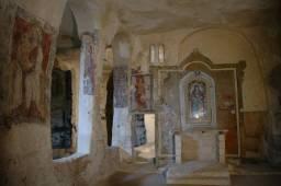 43 - Matera, una delle 150 chiese rupestri
