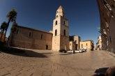 4 -Venosa- Cattedrale di Sant'Andrea - Edificata per volere di Pirro del Balzo, tra il 1470 e il 1502, fu consacrata il 13 marzo 1531