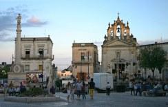 5 - Montescaglioso - La chiesa di san Rocco dedicata al Patrono di Montescaglioso, occupa il fondale dello spazio centrale della città , Piazza Roma