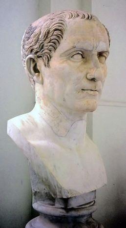 79 - Galleria degli Imperatori a Napoli-Giulio Cesare