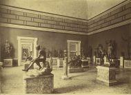 88 -Napoli Museo Archeologico - Sala dei Grandi Bronzi (foto databile fra il 1857 e il 1914) di Giorgio Sommer