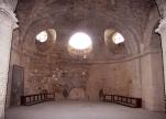 10 - Irsina - Cripta. Pochi luoghi dell'Italia meridionale possiedono preziose opere d'arte rinascimentale come la Cattedrale di Santa Maria Assunta di Irsina.