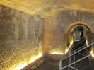 115 - Napoli sotterranea- anfiteatro romano inglobato in una casa vicino a piazza San Gaetano.