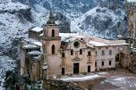 37- Matera - Chiesa di San Pietro Caveoso innevato.