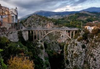 16 - Ponte di Muro Lucano- il fratello maggiore-