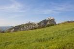 2 - San Leo- Il panorama che si gode da San Leo è uno dei più belli e caratteristici della regione la vista spazia sui monti circostanti e lungo, la vallata del Marecchia, fino al mare. Dotata di moderni impianti sportivi, annovera oltre ai campi da calcio i, campi da tennis, una avio superficie dove è possibile praticare il volo a vela (aliante). Dalle rocce del monte San Severino e possibile decollare con il parapendio.
