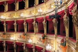 43 - Trieste - Teatro Verdi interno