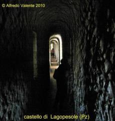 18 -Castello-di-Lagopesole, corridoio piano superiore