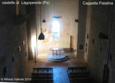 """19 - Castello-di-Lagopesole , cappella palatina - Interessanti una bellissima Cappella di stile angioino e diverse sale tra le quali quelle denominate """"dell'imperatore e dell'imperatrice"""", di notevole pregio artistico."""