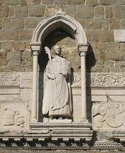 15,2 - Statua di San Giusto martire con la palma nella mano sul campanile della Cattedrale di San Giusto a Trieste