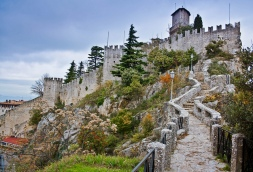 17 - San Marino La seconda Torre Cesta o Castello