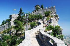 18 - San Marino La seconda Torre Cesta o Castello .