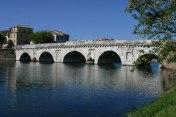 23 - Rimini. Il Ponte di Tiberio -L'imponente ponte fu edificato per decreto dell'Imperatore Augusto sul fiume Marecchia