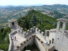 19 - Dentro le fortificazioni della seconda Torre di San Marino