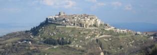 2 -Il Borgo dei Borghi più bello d'Italia- ACERENZA.Nelle vicinanze dei comuni di Oppido Lucano, Banzi i Cancellara, Acerenza è situata a 21 km al Nord-Est di Potenza la più grande città nelle vicinanze. Situata a 833 metri d'altitudine.