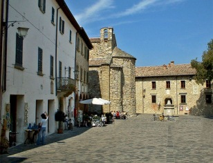 27 - San Leo - Il piccolo borgo