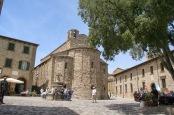 28 - San Leo il piccolo borgo e la Pieve