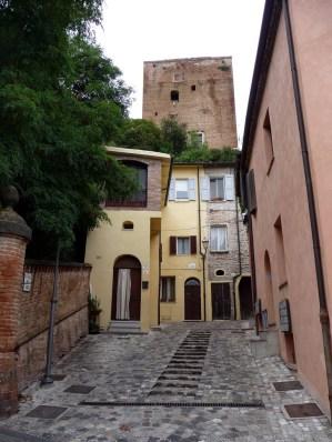 34 - I viottoli verso il borgo medievale - Santarcangelo di Romagna (RN)