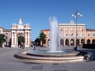 4 - Santarcangelo di Romagna- piazza Ganganelli