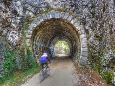 76 - Percorso ciclabile lungo l'ex ferrovia della Val Rosandra, in provincia di Trieste