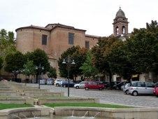 15 - Le fontane del Campo della Fiera e la Chiesa Collegiata - Santarcangelo di Romagna (RN)