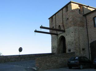 6- Mondaino- Porta Marina di ingresso principale