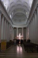 36 - San Marino Basilica interno